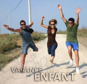 Des adolescentes visiblement heureux d'être en vacances