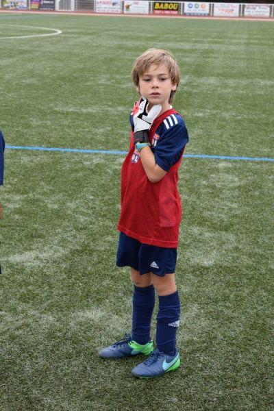 Une jeune joueur de football