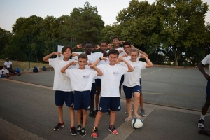 Une équipe de foot le temps d'une photo de groupe
