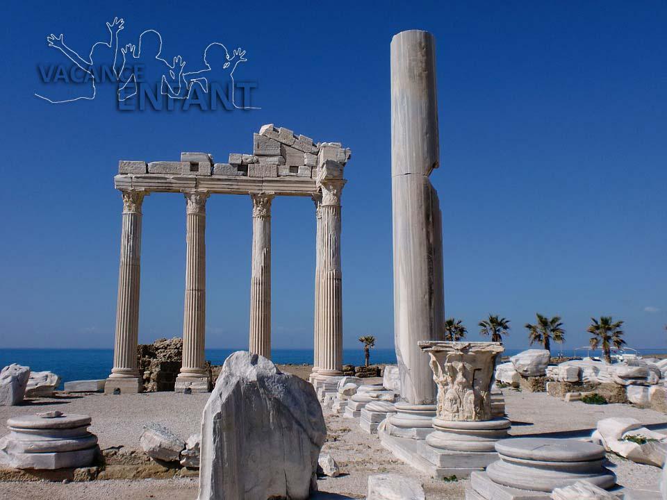 Vestige d'un temple en Grèce