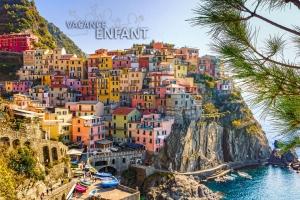 Village méditerranéen typique de l'Italie du sud