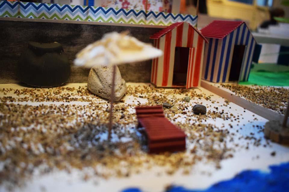 Photo d'une maquette d'un parasol sur une plage