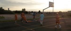 Le basketball peut se pratiquer dehors comme une véritable activité sportive outdoor