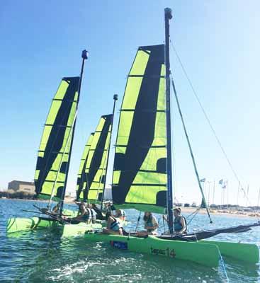 Régate sur catamarans en bord de mer