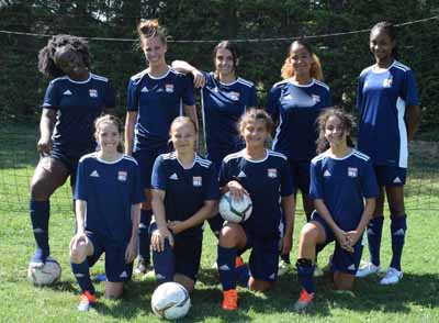 Photo de groupe du stage de foot OL filles